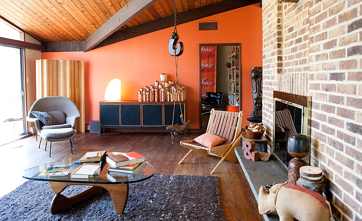 Andy Cruz's house is furnished with vintage Herman Miller and Knoll
