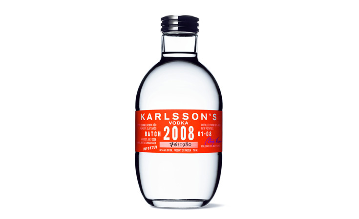 The final product for Karlsson's Batch 2008 with package design by Hans Brindfors in a potato-shaped bottle.