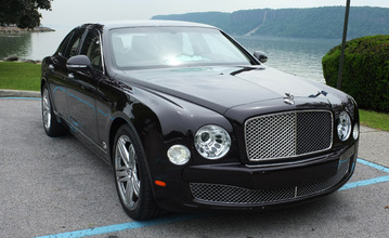 Bentley Mulsanne in Black Velvet.