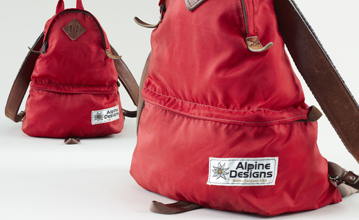 This 1970s Alpine Designs backpack consists of all the elements that make vintage packs so desirable – felt shoulder straps, teardrop shape, and metal hardware.